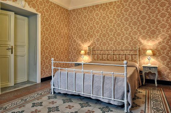 Cose La Camera Da Letto Padronale : Bagno padronale foto di palazzo bella campobello di licata
