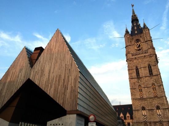 Belfry and Cloth Hall (Belfort en Lakenhalle): Самая высокая колокольня страны