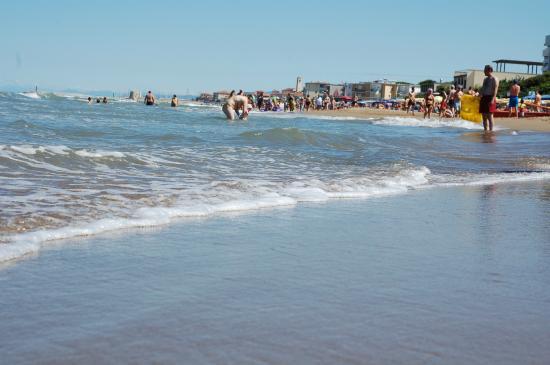 Residence Ville Paola e Daniela: San Vincenzo dalla spiaggia