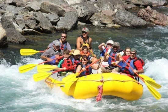 Glacier Raft Company: Fun day on the river.