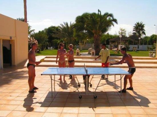 Sun Holiday Beach Club : pingpong