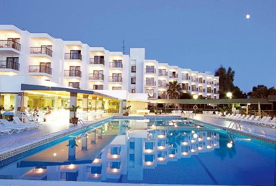 Nereida aparthotel san antonio bay spanje foto 39 s for Corse appart hotel