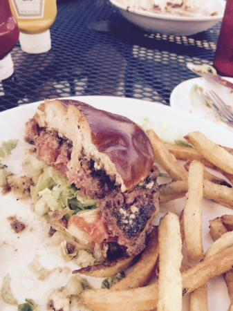 Grand River Brewery: Best burger ever!
