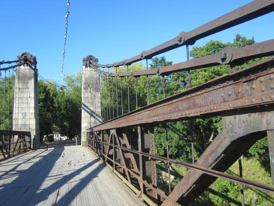 Ostrov, Rusia: Вид моста
