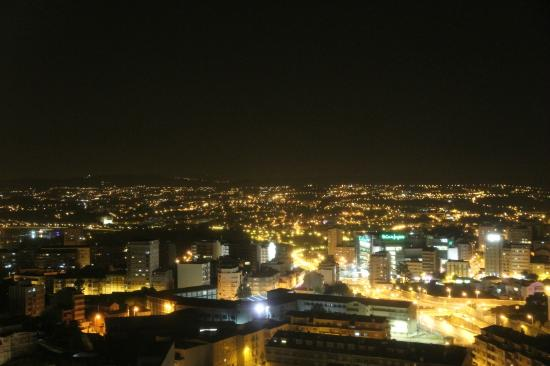 Holiday Inn Porto Gaia: Vistas nocturnas