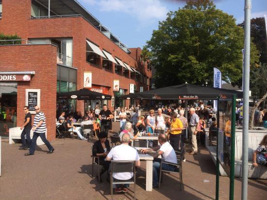 Beneden-Leeuwen, Países Bajos: Oh la la