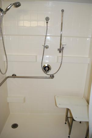 Ramada Triangle/Quantico: Roll-in-Shower