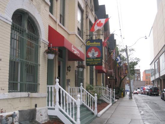 Canadiana Backpackers: Entrada