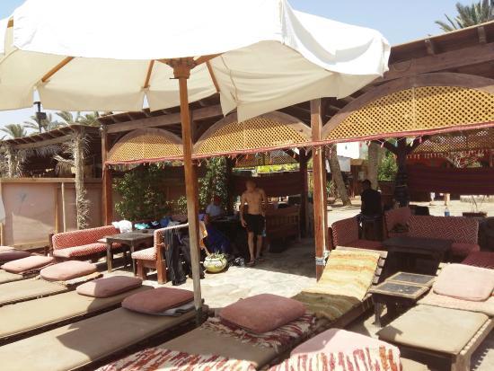 Jay's Restaurant: Лежаки