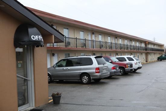 Saxony Motel & Restaurant: Exterior