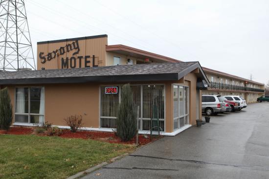 Saxony Motel & Restaurant: Exterior Front