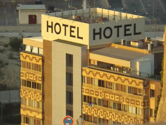 Hotel Maya Alicante: Hotel Maya taken from the castle