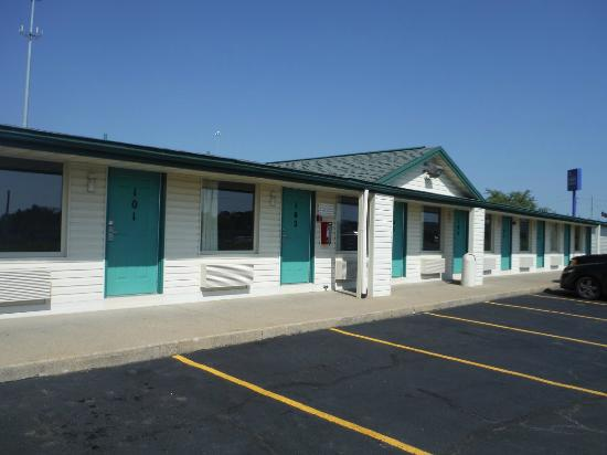 Motel Beechmont (Cincinnati East): This motel is a well spread out, one level property