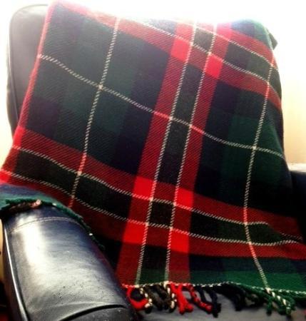 Mayfield, Канада: Tartan lap blanket