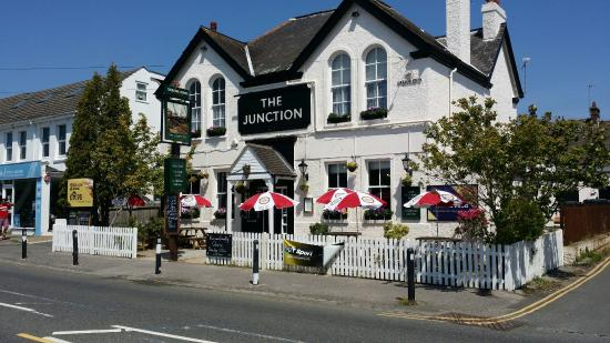 ‪The Junction Tavern‬