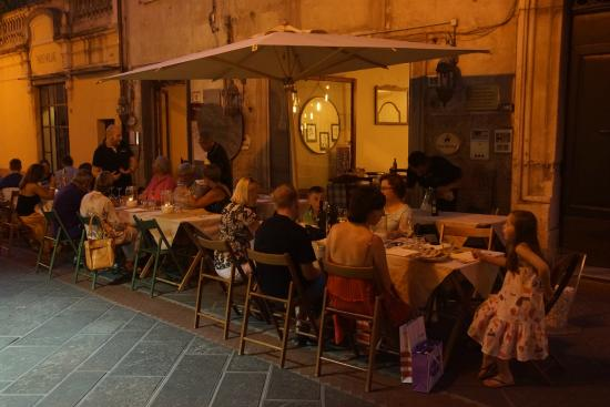 Ristorante San Martino wieczorem
