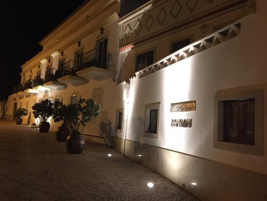 Vila Sao Vicente Boutique Hotel: Hotel at night