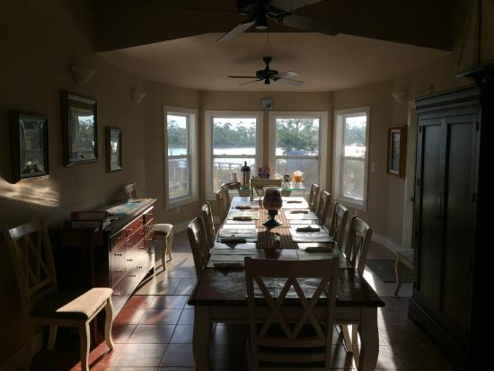 Cape San Blas Inn: The dining room