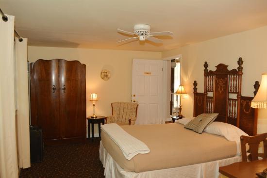 Deer Creek Inn: G - Gigi's Room