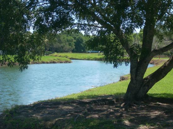 Bill Sadowski Park: Canal