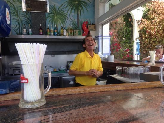 Colina Mar Apartments: Best barman ever