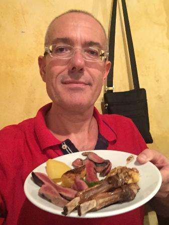 Borgo San Giacomo, Italy: Secondi da paura! Fabio Cremona (il presidente)