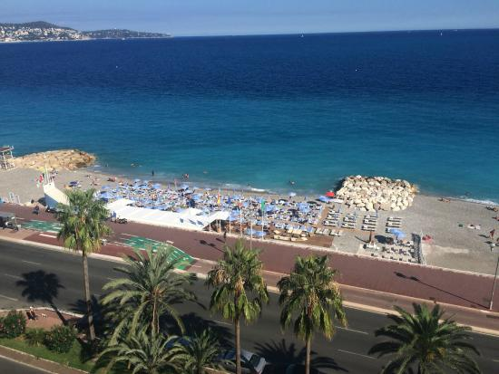 Regence Plage by Radisson Blu: Nice beach (view from the terrace of the Radisson Blu Hotel)