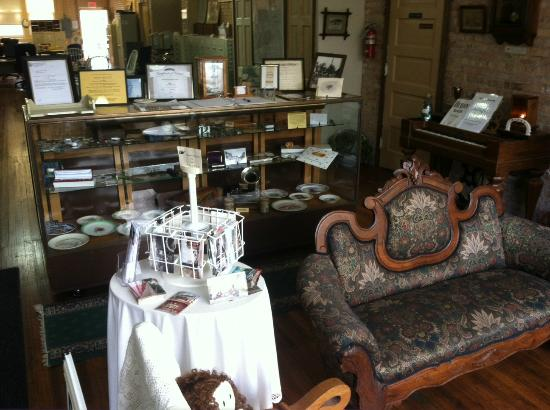 Lee County Historical and Genealogical Society