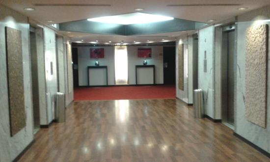 Husa President Park: Outside view of bedrooms Lift Lobby