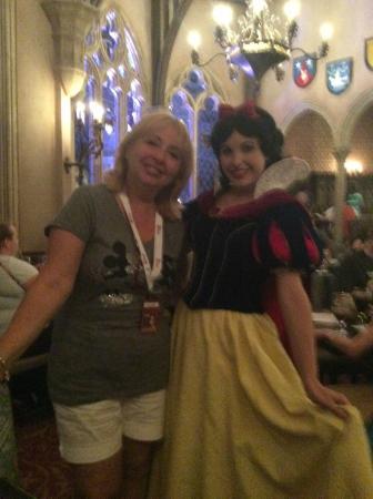 Cinderella's Royal Table: Rencontre avec Blanche Neige
