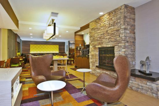 Fairfield Inn & Suites Chicago Southeast/Hammond: Lobby