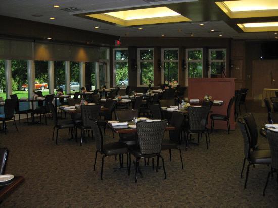 Legends At Druid Hills Legend Diningroom