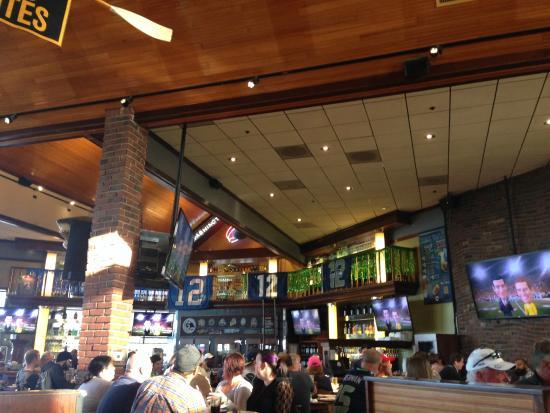 Bar Area Picture Of The Ram Restaurant Brewery Tacoma Tripadvisor