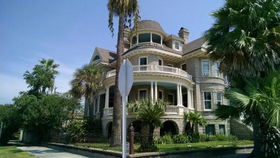 Galveston Historic Tour : One of the homes on the tour