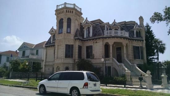 Galveston Historic Tour : Another home captured on tour
