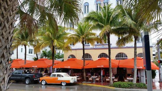 Art Deco Walks Edison Hotel And Ocean S Ten Restaurant The Breakwater South Beach