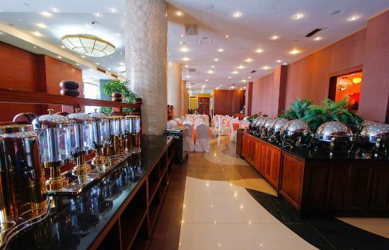 Lagos Oriental Hotel: Breakfast Area