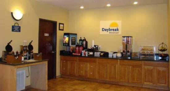 Days Inn by Wyndham San Antonio at Palo Alto: photo1.jpg