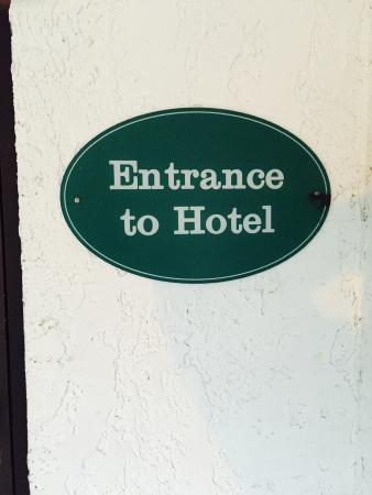 Alpine Valley Resort : Take out the O and T in Hotel and add an L at the end