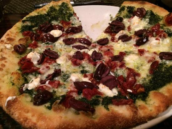 Capers & Lemons: Pizza Bascilica....Kalimata, Spinach, Goat Cheese