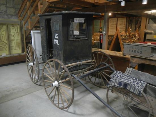 Pony Express Barn: US Mail Service wagon