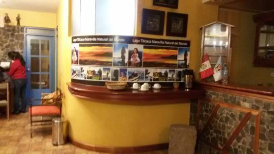 Hostal Helena Inn: Recepción