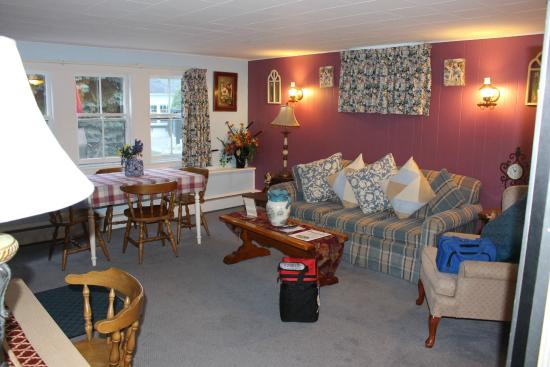 Claddagh Motel & Suites: Claddagh is the BEST place to stay in Maine
