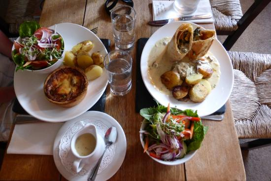 Temple Guiting, UK: delicious meal