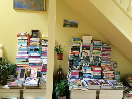 The Boulevard Guesthouse: Boulevard Guesthouse_Book Nook