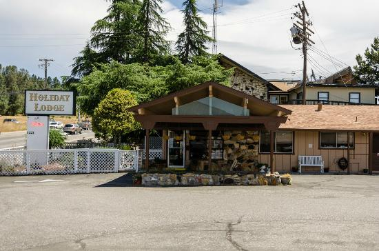 Grass Valley, CA: Front of Motel Exterior
