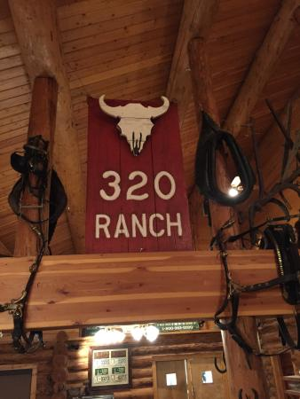 Gallatin Gateway, Μοντάνα: Restaurant 320 Ranch