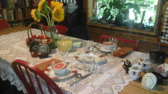 Clark Fork, ID: Breakfast at Heritage house