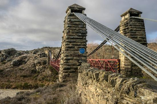 Pitches Store: The red bridge at the edge of Ophir