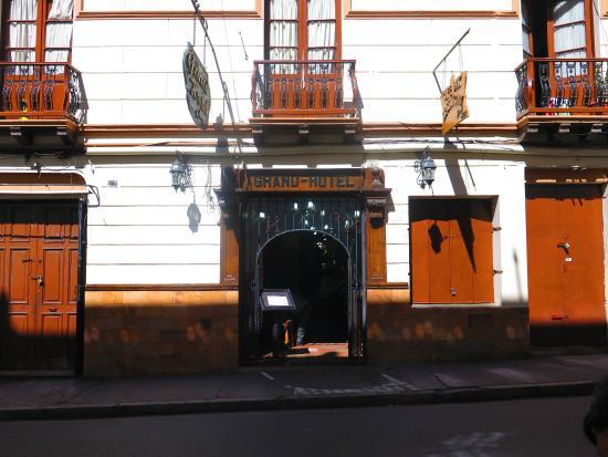 Capital Plaza Hotel: Entrada del Hotel